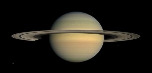 800px-Saturn_during_Equinox