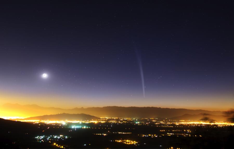 A sungrazer comet. [Photo credit: wikimedia.org]
